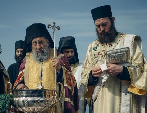 Игумен Григорий Зумис (вляво) и протодякон Андрей Плиска